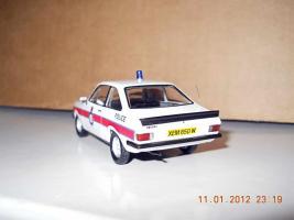 Прикрепленное изображение: Colobox_Ford_Escort_Mk2_RS2000_Police_Trofeo~03.jpg