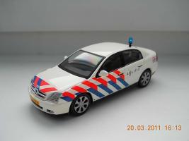 Прикрепленное изображение: Colobox_Opel_Vectra_C_Politie_Schuco~01.jpg