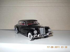 Прикрепленное изображение: Colobox_Mercedes-Benz_300D_W189_Rio~02.jpg
