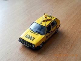 Прикрепленное изображение: Colobox_VW_Golf_A2_ADAC_Minichamps~01.jpg
