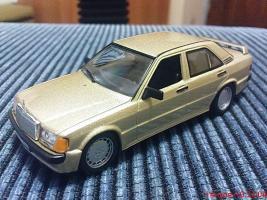 Прикрепленное изображение: Colobox_Mercedes-Benz_W201_Altaya~01.jpg