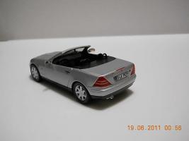 Прикрепленное изображение: Colobox_Mercedes-Benz_SLK230_R170_Herpa~04.jpg