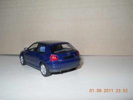 Прикрепленное изображение: Colobox_Audi_A3_Minichamps~02.jpg