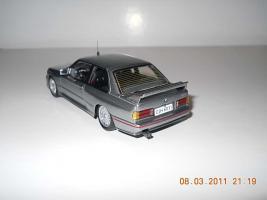Прикрепленное изображение: Colobox_BMW_M3_E30_Ixo~05.jpg