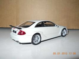 Прикрепленное изображение: Colobox_Mercedes-Benz_CLK_DTM_AMG_Kyosho~02.jpg