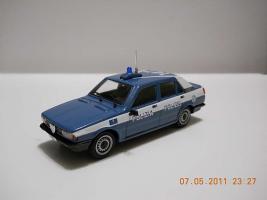 Прикрепленное изображение: Colobox_Alfa-Romeo_Giulietta_Polizia-Polizei_ProgettoK~01.jpg