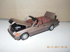 Прикрепленное изображение: Colobox_Mercedes-Benz_E320_Cabrio_A124-FL_Minichamps~04.jpg