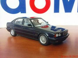 Прикрепленное изображение: Colobox_BMW_535i_E34_Minichamps~02.jpg
