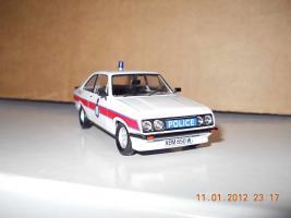 Прикрепленное изображение: Colobox_Ford_Escort_Mk2_RS2000_Police_Trofeo~01.jpg