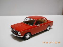 Прикрепленное изображение: Colobox_BMW_2002_E10_Trofeu~01.jpg