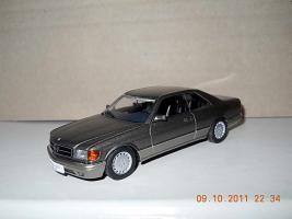 Прикрепленное изображение: Colobox_Mercedes-Benz_500SEC_C126_AutoArt~02.jpg