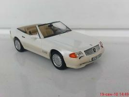 Прикрепленное изображение: Colobox_Mercedes-Benz_500SL_R129_Ixo~02.jpg