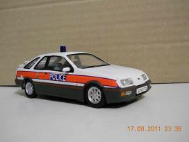 Прикрепленное изображение: Colobox_Ford_Sierra_XRi_Police_Vanguards~01.jpg