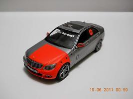 Прикрепленное изображение: Colobox_Mercedes-Benz_W204_100_Jahre_Bela_Barenyi_Schuco~01.jpg