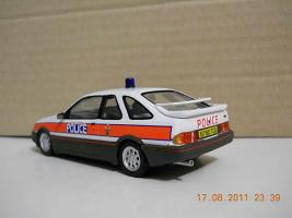Прикрепленное изображение: Colobox_Ford_Sierra_XRi_Police_Vanguards~02.jpg
