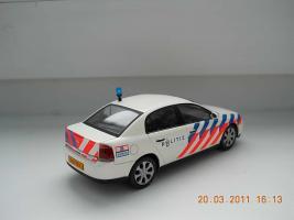 Прикрепленное изображение: Colobox_Opel_Vectra_C_Politie_Schuco~02.jpg
