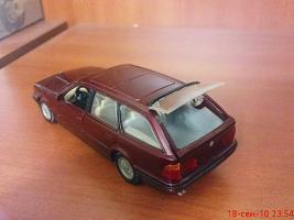 Прикрепленное изображение: Colobox_BMW_525i_Touring_E34_Gama~05.jpg