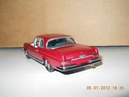 Прикрепленное изображение: Colobox_Mercedes-Benz_280SE_3-5_W111_Minichamps-MCW~03.jpg