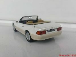 Прикрепленное изображение: Colobox_Mercedes-Benz_500SL_R129_Ixo~03.jpg