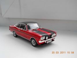 Прикрепленное изображение: Colobox_Opel_Commodore_A_Coupe_GSE_Altaya~01.jpg