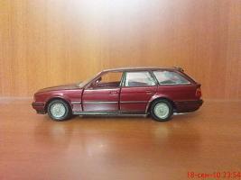 Прикрепленное изображение: Colobox_BMW_525i_Touring_E34_Gama~04.jpg