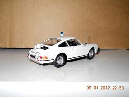 Прикрепленное изображение: Colobox_Porsche_911S_901_Polizei_Norev~02.jpg