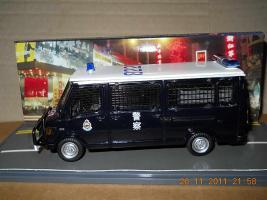 Прикрепленное изображение: Colobox_Mercedes-Benz_310_T1_Police_Hong_Kong_PTU_Corgi~01.jpg