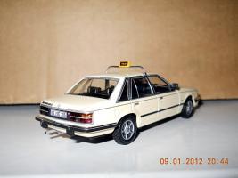 Прикрепленное изображение: Colobox_Opel_Senator_A_Minichamps~02.jpg