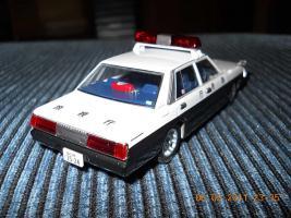 Прикрепленное изображение: Colobox_Nissan_Cedric_430_Police_DISM~03.jpg
