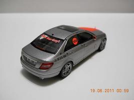 Прикрепленное изображение: Colobox_Mercedes-Benz_W204_100_Jahre_Bela_Barenyi_Schuco~02.jpg