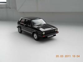 Прикрепленное изображение: Colobox_VW_Golf_GTI_Vanguards~01.jpg