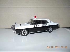 Прикрепленное изображение: Colobox_Nissan_Skyline_2000GT_C110_Police_DISM~03.jpg