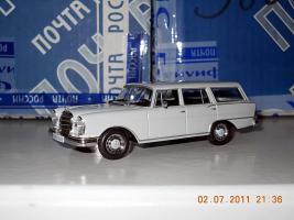 Прикрепленное изображение: Colobox_Mercedes-Benz 230S_Universal_Altaya~01.jpg