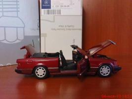 Прикрепленное изображение: Colobox_Mercedes-Benz_300CE-24_Cabrio_A124_Minichamps~04.jpg
