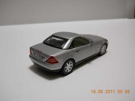 Прикрепленное изображение: Colobox_Mercedes-Benz_SLK230_R170_Herpa~02.jpg