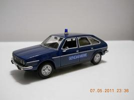 Прикрепленное изображение: Colobox_Renault_30_Gendarmerie_Norev~03.jpg