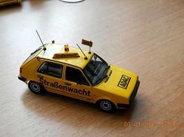 Прикрепленное изображение: Colobox_VW_Golf_A2_ADAC_Minichamps~03.jpg