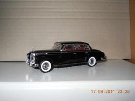 Прикрепленное изображение: Colobox_Mercedes-Benz_300D_W189_Rio~01.jpg