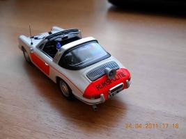 Прикрепленное изображение: Colobox_Porsche_911_Politie_Minichamps~03.jpg