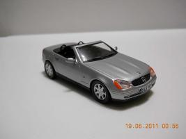 Прикрепленное изображение: Colobox_Mercedes-Benz_SLK230_R170_Herpa~03.jpg
