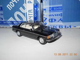 Прикрепленное изображение: Colobox_Mercedes-Benz_280CE_C123_Minichamps~01.jpg