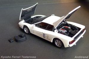 Прикрепленное изображение: Kyosho Ferrari Testarossa 7.jpg