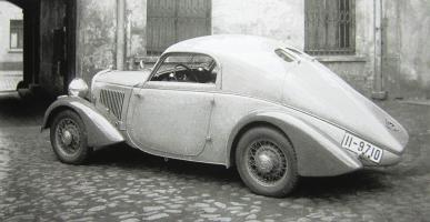Прикрепленное изображение: W22 Stromlinien Coupe mit werkurztem Radstand 1934.jpg