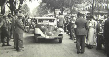Прикрепленное изображение: Start 2000-km Deutschlandfahrt 1933 W22 Sportcoupe.jpg