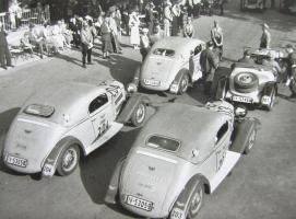 Прикрепленное изображение: 3 W22  Sport Coupes von 1933 start 2000-km Deutschlandfahrt 1934.jpg