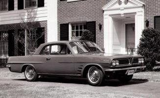 Прикрепленное изображение: 1963 Pontiac Lemans-1.jpg