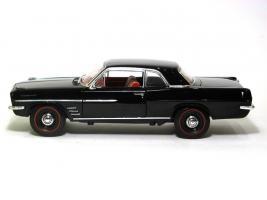 Прикрепленное изображение: 1963 Pontiac Tempest-2.JPG