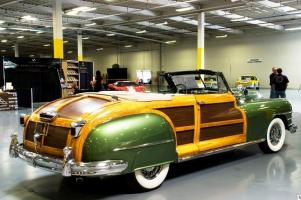 Прикрепленное изображение: 1948 Chrysler Town & Country-22.jpg