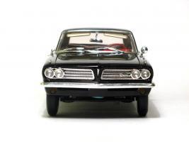 Прикрепленное изображение: 1963 Pontiac Tempest-4.JPG