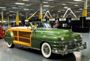 Прикрепленное изображение: 1948 Chrysler Town & Country-21.jpg